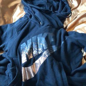 Nike high neck sweatshirt hoodie Medium